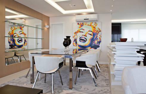 Jantar: Salas de jantar modernas por Virtu Arquitetura