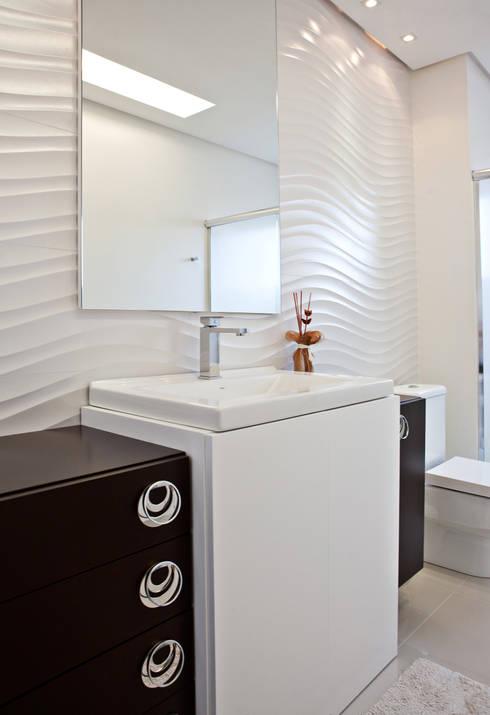 Banho: Banheiros modernos por Virtu Arquitetura