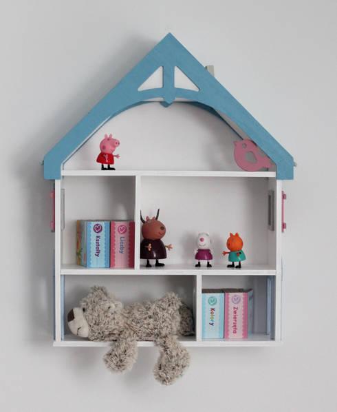 """Półka DOMEK DLA LALEK """"BLUE"""": styl , w kategorii Pokój dziecięcy zaprojektowany przez EBISSU"""
