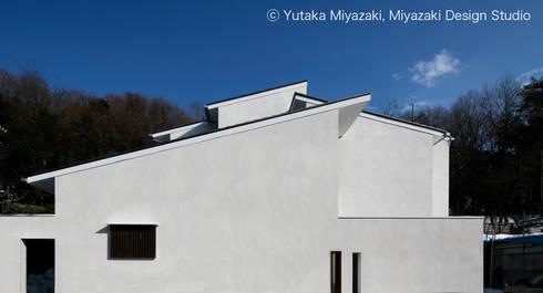 渡り廊下と屋根上デッキの家・外観1: 宮崎豊・MDS建築研究所が手掛けた家です。