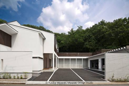 渡り廊下と屋根上デッキの家・外観3: 宮崎豊・MDS建築研究所が手掛けた家です。