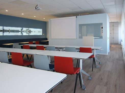 Die Nutzung als Seminarraum:  Bürogebäude von hansen innenarchitektur materialberatung