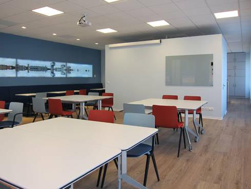 Die Nutzung als Sozialraum:  Bürogebäude von hansen innenarchitektur materialberatung