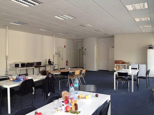 Der Sozialraum vor dem Ausbau:   von hansen innenarchitektur materialberatung