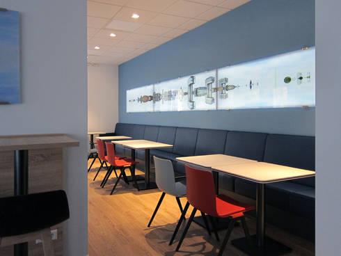 Die Sitzbank:  Bürogebäude von hansen innenarchitektur materialberatung