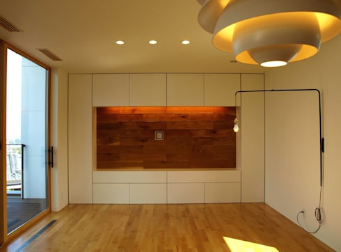 T2-house: SO-DESIGN建築設計室が手掛けたリビングです。