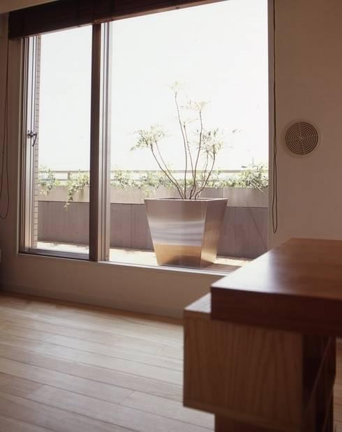 新築マンションリノベーション(東京 世田谷): Style is Still Living ,inc.が手掛けたベランダです。