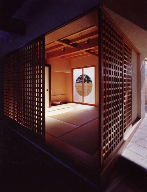 .: 杉原建築デザイン事務所が手掛けた寝室です。