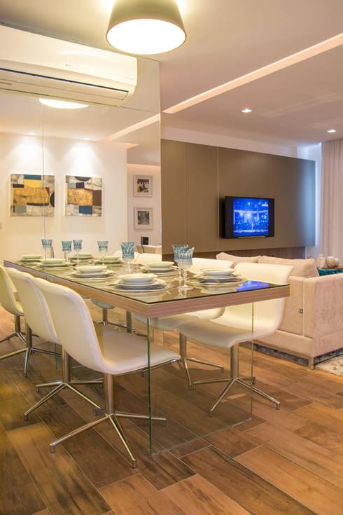 Apartamento Rio Branco: Salas de jantar  por Bibiana Menegaz - Arquitetura de Atmosfera