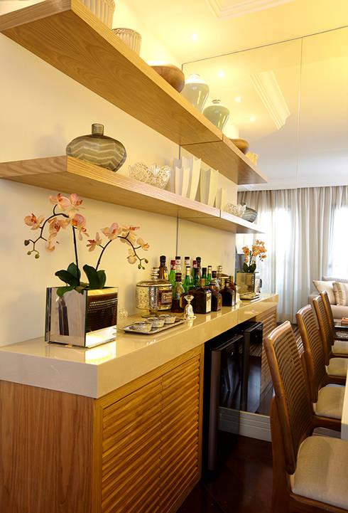 Dining room تنفيذ JULIANA MUCHON ARQUITETURA E INTERIORES