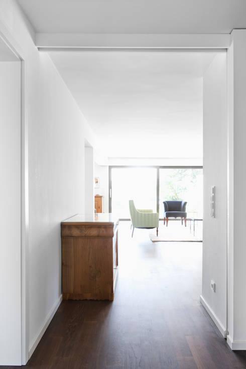 Гостиная в . Автор – Corneille Uedingslohmann Architekten