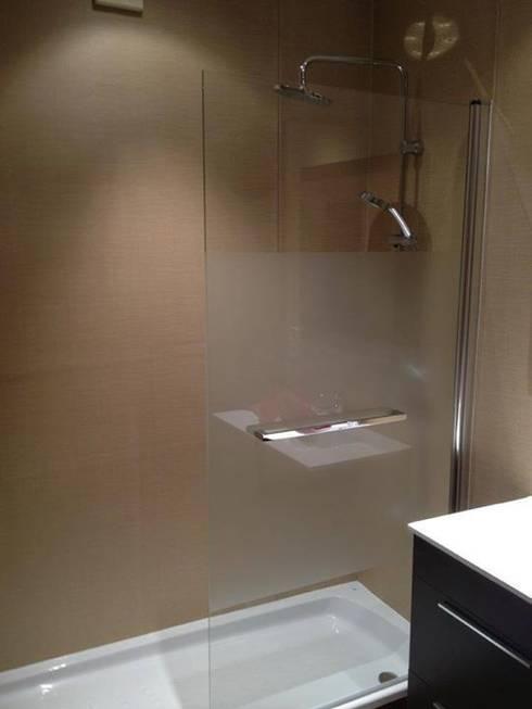 Ba os suelos y paredes de suelos y paredes sin obras homify for Revestimiento vinilico para paredes de banos