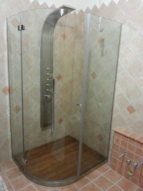 Piatto Box doccia SILVERPLAT: Bagno in stile  di SILVERPLAT