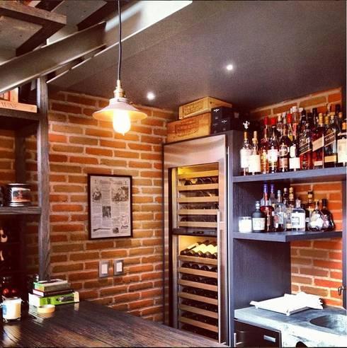 Cocinas de estilo moderno por Quinto Distrito Arquitectura