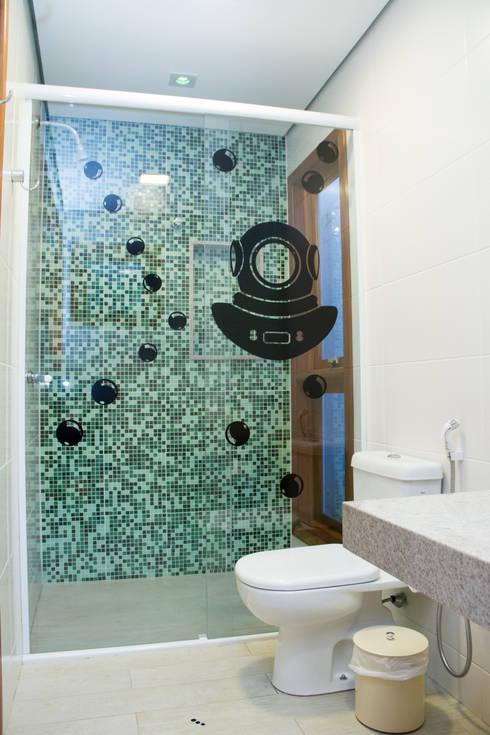 Casa de praia: Banheiros modernos por Espaço do Traço arquitetura