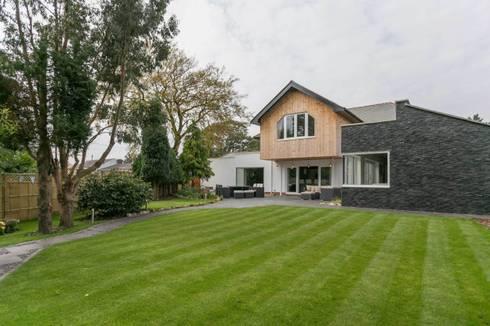 Beechwood: modern Houses by SDA Architecture Ltd