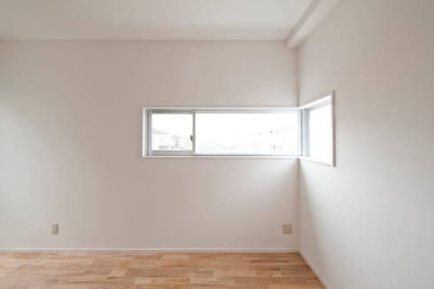 F House and Studio: 有限会社クリエデザイン/CRÉER DESIGN Ltd.が手掛けた子供部屋です。