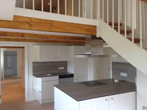 offene Wohnküche:   von Architekturatelier Biermann