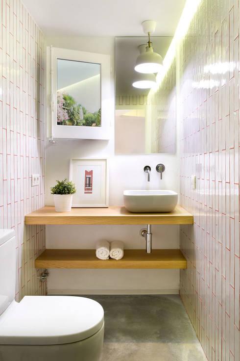 Baños de estilo moderno por Egue y Seta