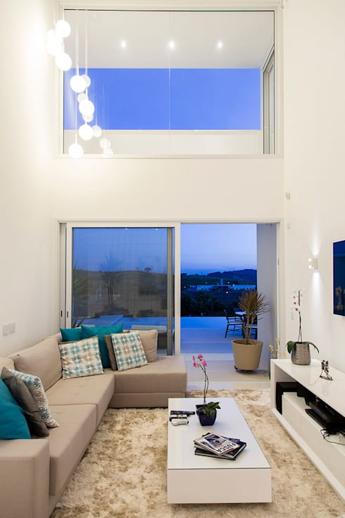 Casa FD: Salas de estar  por SAA_SHIEH ARQUITETOS ASSOCIADOS