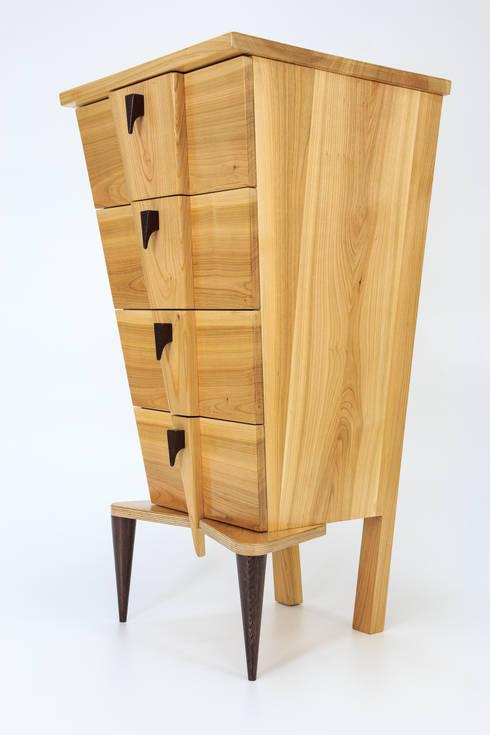"""Komoda """"V"""": styl , w kategorii Sypialnia zaprojektowany przez Meble Autorskie Jurkowski"""