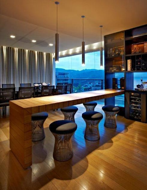 Top House VH: Salas de jantar modernas por Cristina Menezes Arquitetura