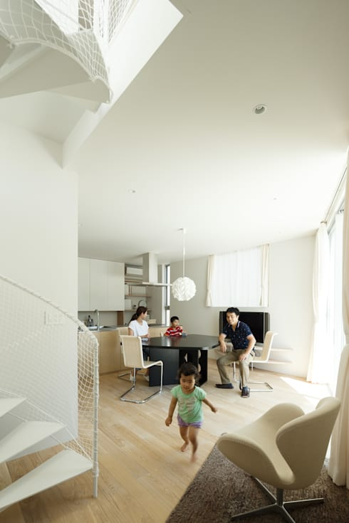 sha-la LDK: e do design 一級建築士事務所が手掛けたリビングです。