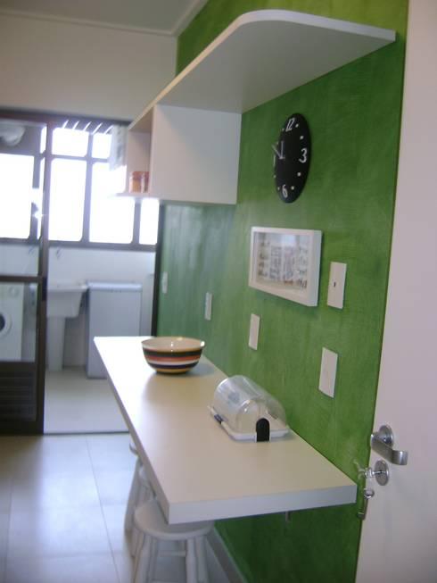 cozinha apos reforma:   por Flávia Brandão - arquitetura, interiores e obras