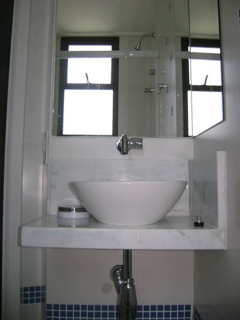 banho suite da cobertura após reforma:   por Flávia Brandão - arquitetura, interiores e obras