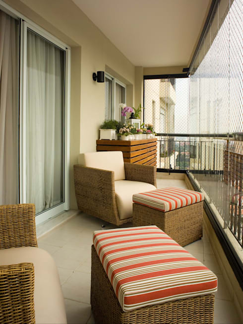 varanda de apartamento: Terraços  por Flávia Brandão - arquitetura, interiores e obras