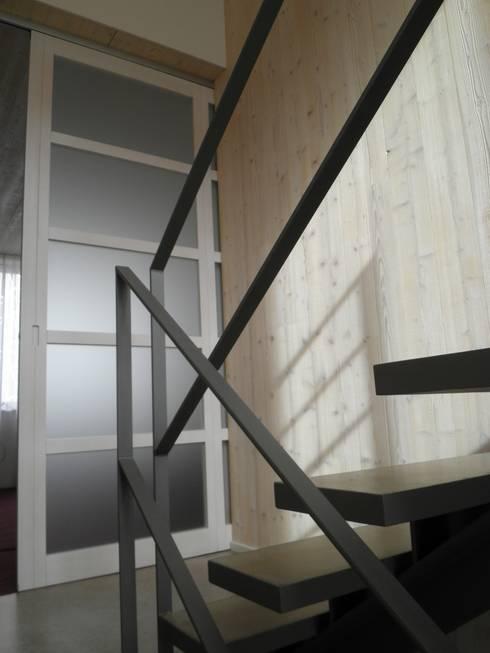 Treppenhaus:  Flur & Diele von Architektin Tanja Ernst-Adams
