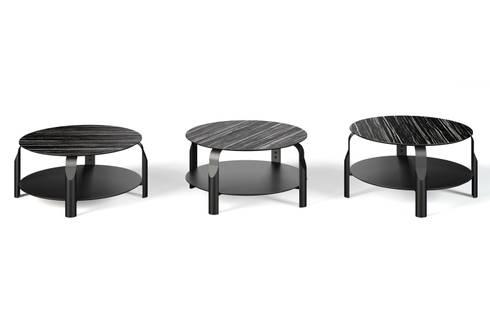 Scale coffee table : Sala de estar  por Temahome