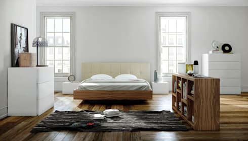 Float bed with upholstered headboard: Quarto  por Temahome