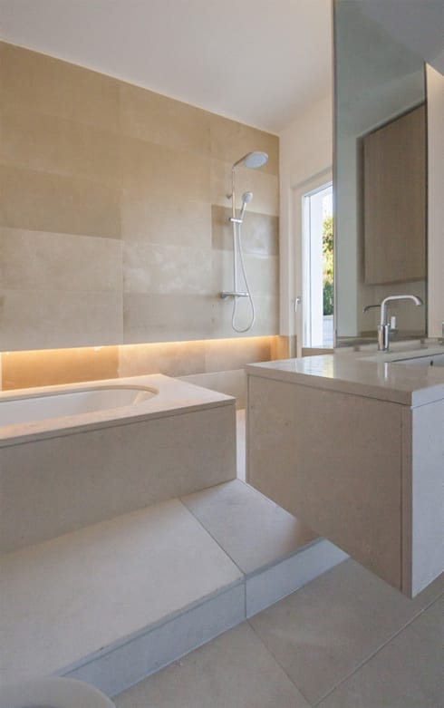 modern Bathroom by sebastiano canzano architetto