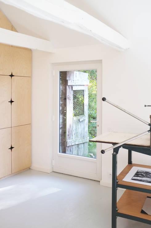 Projekty,  Kuchnia zaprojektowane przez Modal Architecture