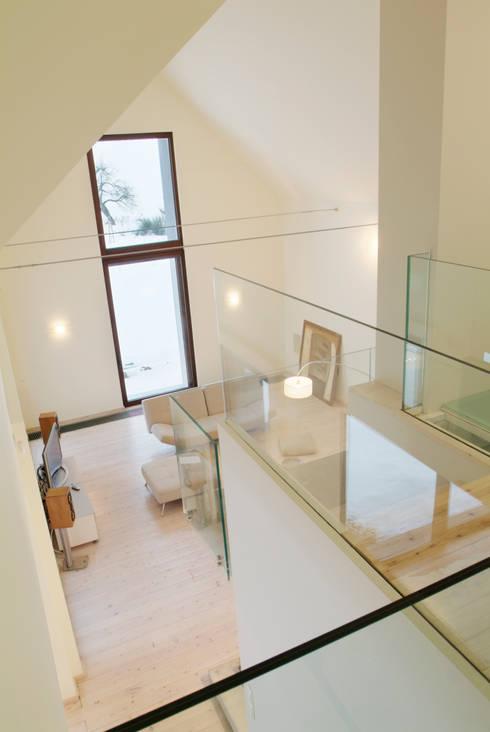 autor: Bartosz Durczewski: styl , w kategorii Salon zaprojektowany przez PAG Pracownia Architektury Głowacki