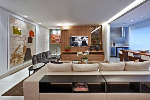 APARTAMENTO  SANTO AGOSTINHO: Salas de estar modernas por Cícera Gontijo