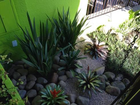 Projeto Residencial: Jardins rústicos por Casa Nova Paisagismo