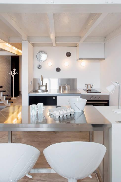 Soggiorno in stile  di justyna smolec architektura & design