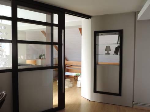 fermeture de l'ancienne mezzanine: Couloir et hall d'entrée de style  par Emilie Bigorne, architecte d'intérieur CFAI