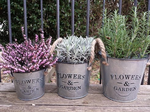 Shabby Chic Home Accessories:  Garden  by TreatBox