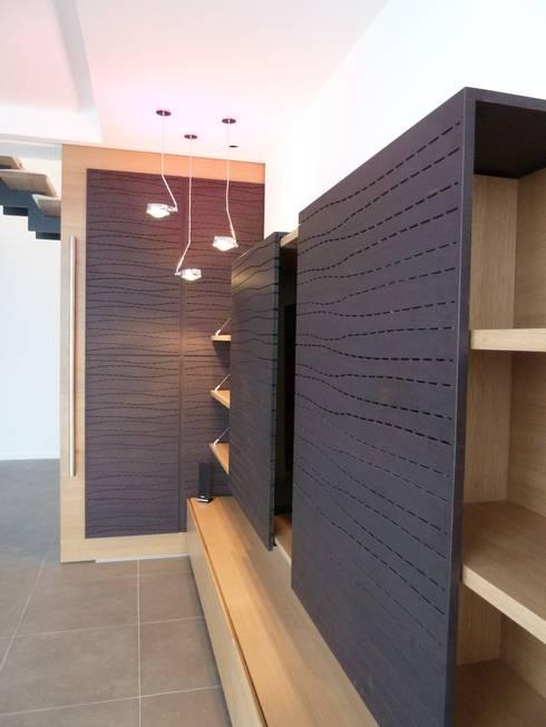 mobilier sur mesure: Salon de style de style Minimaliste par Emilie Bigorne, architecte d'intérieur CFAI