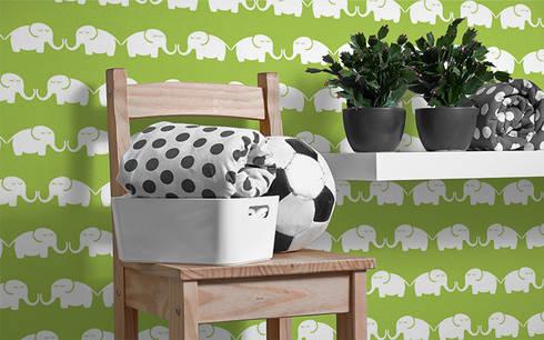 Tapete Elephants, for him (grün): moderne Kinderzimmer von Designstudio DecorPlay