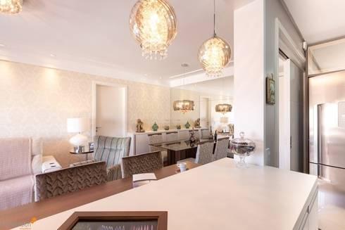 Apartamento Jardim Botânico: Salas de estar clássicas por Camila Chalon Arquitetura