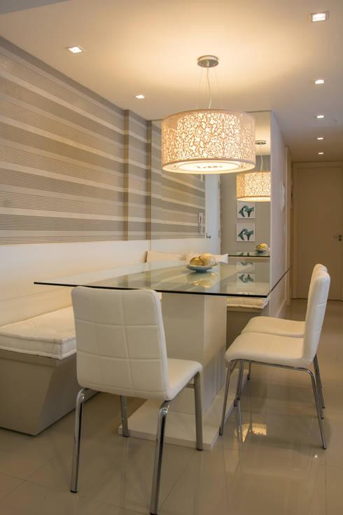 Apartamento Bento: Salas de jantar modernas por Camila Chalon Arquitetura