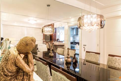 Estar , Jantar e Cozinha Integrados: Salas de jantar clássicas por Camila Chalon Arquitetura
