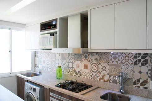 Apartamento Bento: Cozinhas modernas por Camila Chalon Arquitetura