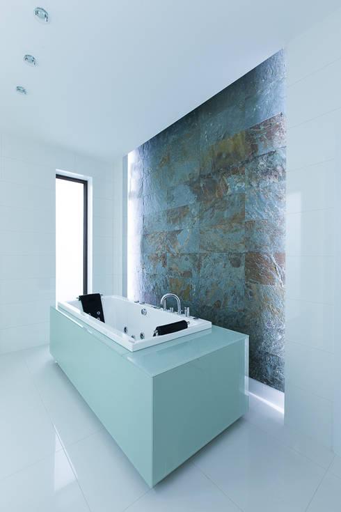 bath tron: styl , w kategorii Łazienka zaprojektowany przez unikat:lab