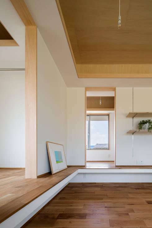 Projekty,  Salon zaprojektowane przez 矢内建築計画 一級建築士事務所