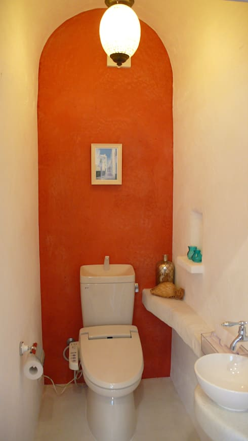 トイレ: 有限会社 八幡工業 ナチュラワイズが手掛けた浴室です。